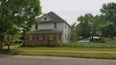 Elkhart Single Family Home For Sale: 403 E Lusher Avenue