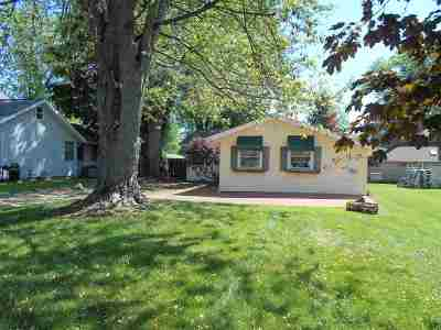 Syracuse Single Family Home For Sale: 11448 N Ogden Point Rd