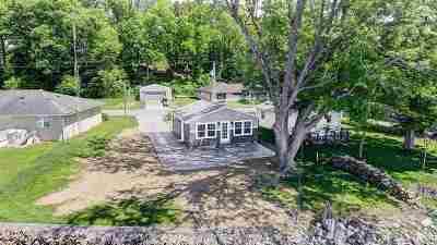 Lagrange Single Family Home For Sale: 640 Park Dr Turkey Lake
