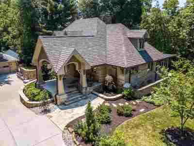 Evansville Single Family Home For Sale: 2320 Mt Auburn Rd