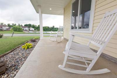 New Haven Single Family Home For Sale: 9481 Dension Lane