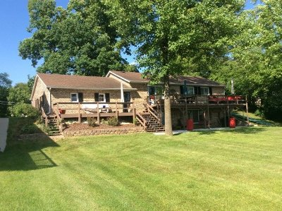 Steuben County Single Family Home For Sale: 3325 W Sycamore Beach Rd