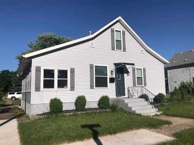 Plymouth Single Family Home For Sale: 830 N Walnut Street