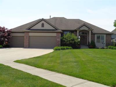 Fort Wayne Single Family Home For Sale: 1901 Lake Front Drive