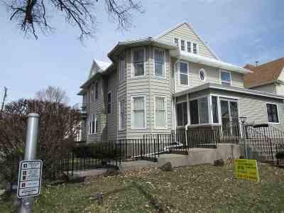 Auburn Single Family Home For Sale: 368 W 7th Street