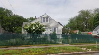 South Bend Single Family Home For Sale: 19667 Sunset Lane