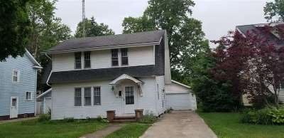 Elkhart Single Family Home For Sale: 151 Gage Ave.