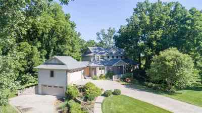 St. Joseph County Single Family Home For Sale: 15525 Hearthstone Drive