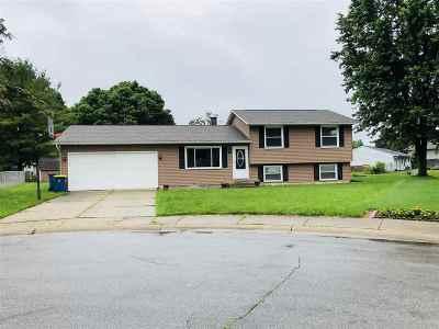 Mishawaka Single Family Home For Sale: 523 Stickler Court