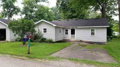 LaGrange County Single Family Home For Sale: 2390 S 460 E
