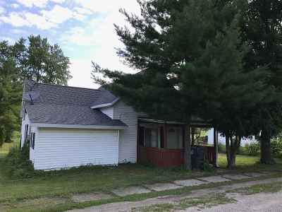 Kosciusko County Single Family Home For Sale: 201 E Harrison St.