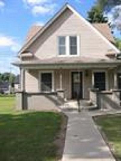 Mishawaka Single Family Home For Sale: 4416 Lincolnway East