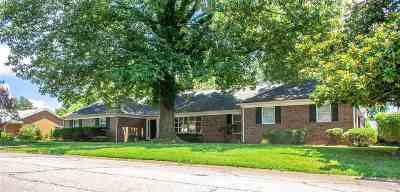 Newburgh Single Family Home For Sale: 5566 Byerson Dr