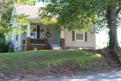 Boonville Single Family Home For Sale: 620 W Locust Street