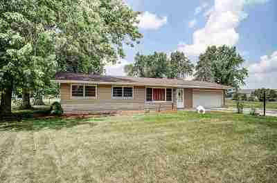 Warsaw Single Family Home For Sale: 143 Ems C29a Lane