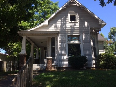 Boonville Single Family Home For Sale: 402 E Locust Street