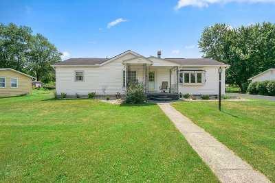 Huntington Single Family Home For Sale: 900 Bartlett Street
