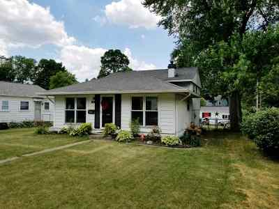 Plymouth IN Single Family Home For Sale: $137,900