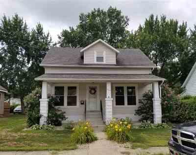 Marshall County Single Family Home For Sale: 402 E Adams