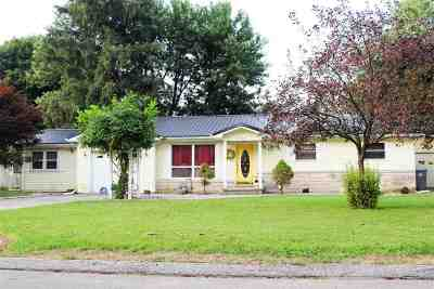 Warsaw IN Single Family Home For Sale: $170,000