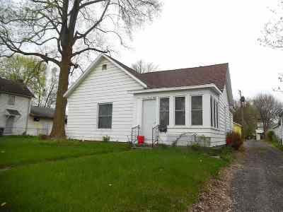 Elkhart Single Family Home For Sale: 1128 Middlebury