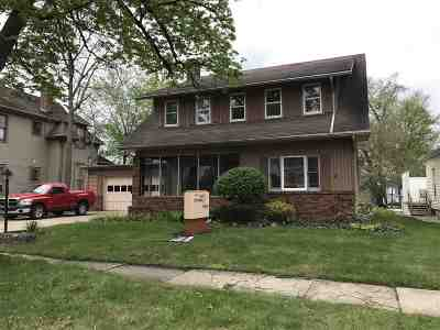 Plymouth IN Single Family Home For Sale: $139,900