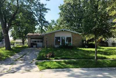 Allen County Single Family Home For Sale: 2107 Maplewood Road