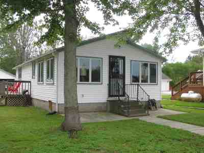 Noble County Single Family Home For Sale: 0170 W Waldron Lk Rd