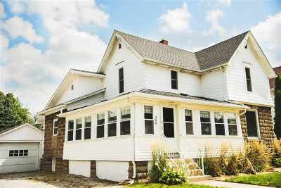 Topeka Single Family Home For Sale: 208 N Harrison St