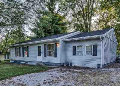 Elberfeld Single Family Home For Sale: 715 S Village Sq