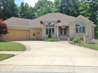 Kendallville Single Family Home For Sale: 2210 Carnoustie Circle