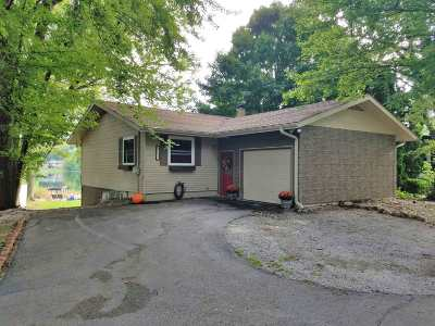 Warsaw IN Single Family Home For Sale: $235,000
