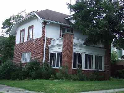 Huntington Single Family Home For Sale: 133 Roche