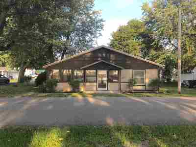 Steuben County Single Family Home For Sale: 935 Park Drive Turkey Lk