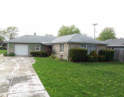 Mishawaka Single Family Home For Sale: 617 S Byrkit Street