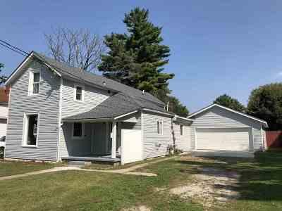 Huntington Single Family Home For Sale: 323 Jackson Street