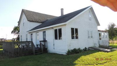 Nappanee IN Single Family Home For Sale: $170,000