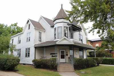 Warsaw Multi Family Home For Sale: 109 N Washington Street