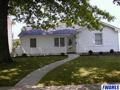 Huntington Single Family Home For Sale: 1324 Poplar Street