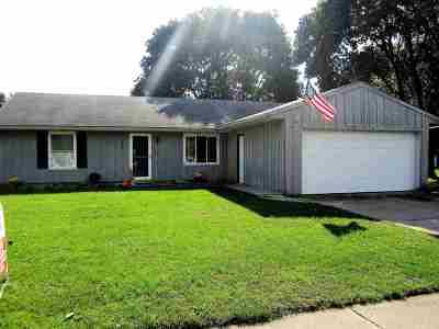 Mishawaka Single Family Home For Sale: 2505 E 5th