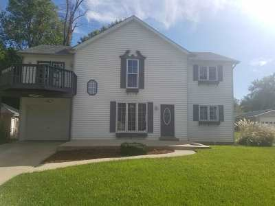 Warsaw IN Single Family Home For Sale: $219,900