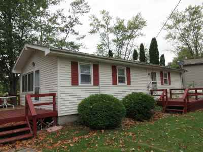 LaGrange County Single Family Home For Sale: 1012 W 590 S Messick Lk