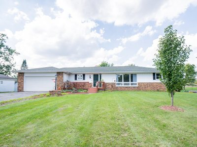 Whitley County Single Family Home For Sale: 3811 N Orchard Lane
