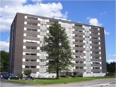 Evansville Condo/Townhouse For Sale: 1100 Erie Avenue #202