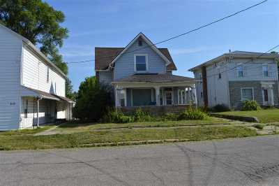 Waterloo Single Family Home For Sale: 590 W Lincoln