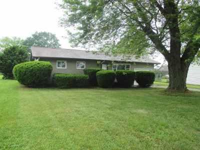 Kosciusko County Single Family Home For Sale: 11779 N Robin Hood Rd