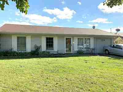 Allen County Single Family Home For Sale: 1216 Applewood Road