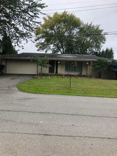 Warsaw IN Single Family Home For Sale: $395,000