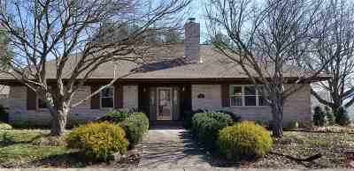Elberfeld Single Family Home For Sale: 70 S 1st Street
