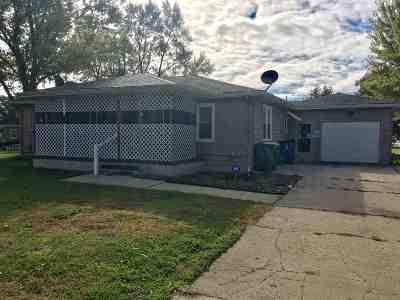 Mishawaka Single Family Home For Sale: 1803 E La Salle Avenue